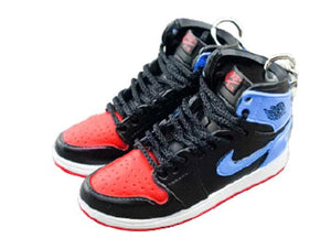 Mini sneaker keychain 3D Air Jordan 1 - UNC to CHICAGO