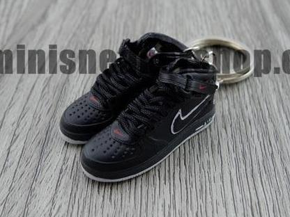 "mini sneaker keychain Air Force 1 ""NYC edition"" (2003)"