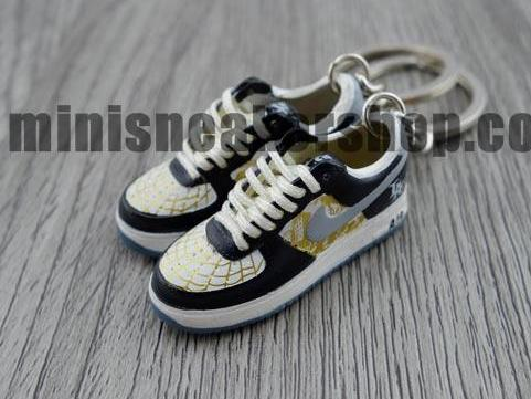 Handpainted Mini Sneaker Keychains 3D (600+ designs