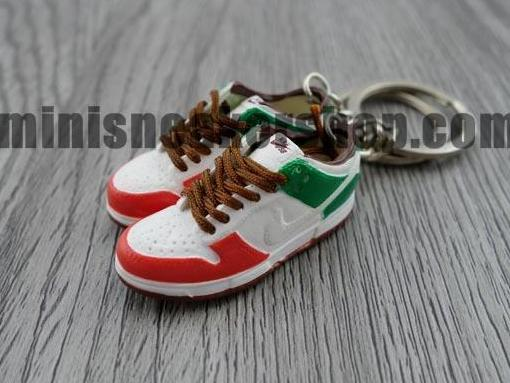 mini sneaker keychains Nike Dunk Low Pro SB Cinco De Mayo (2005)