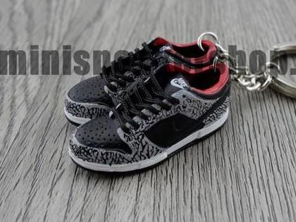 mini sneaker keychains Nike Dunk Low Pro SB-  Supreme Black (2002)