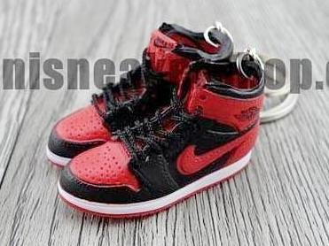 quality products many fashionable good service Mini sneaker keychain 3D Air Jordan 1 Bred