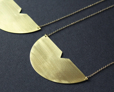 Meg Necklace 3in Brass