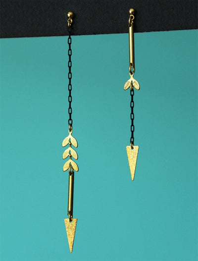 Clovia Earrings