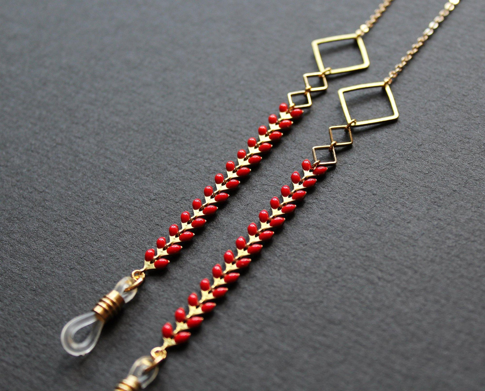 Kalea Glasses Chain Red