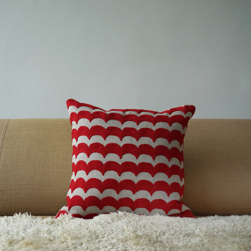 Red Wave, natural linen cushion cover