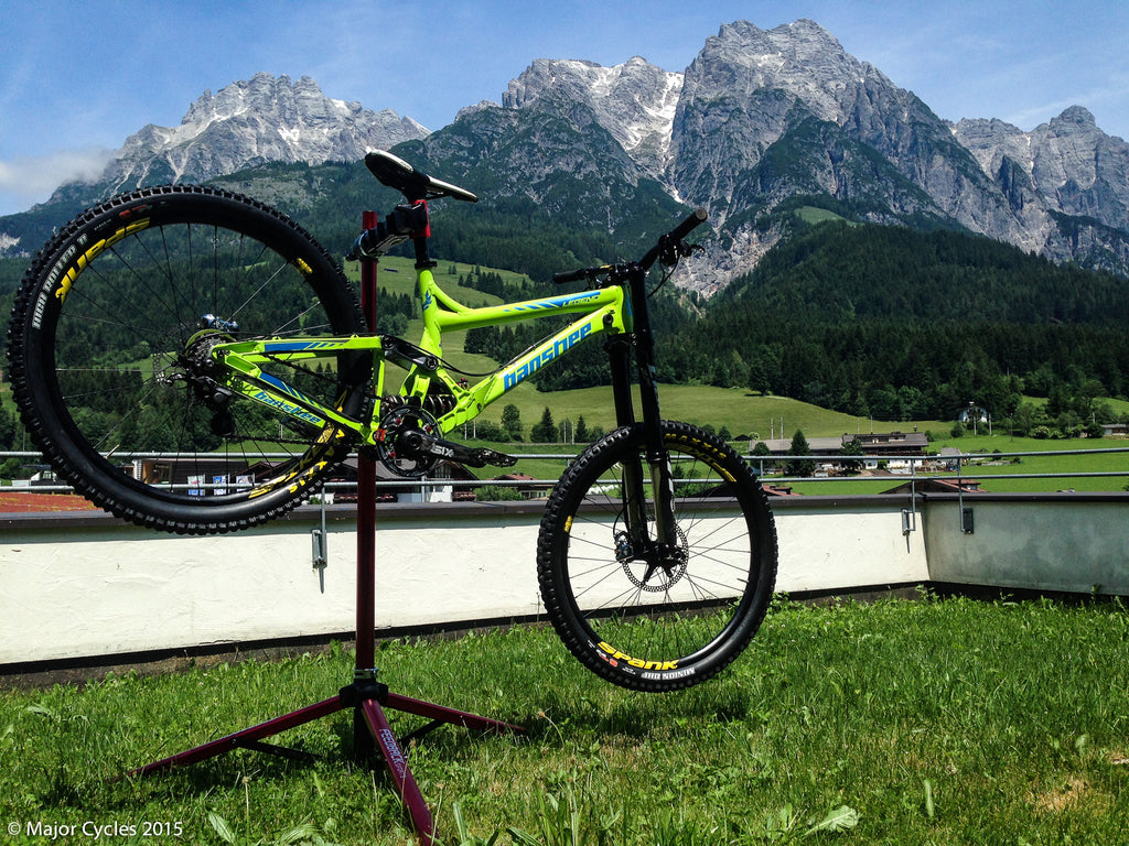 Major Cycles/Banshee Bikes Team in Europe