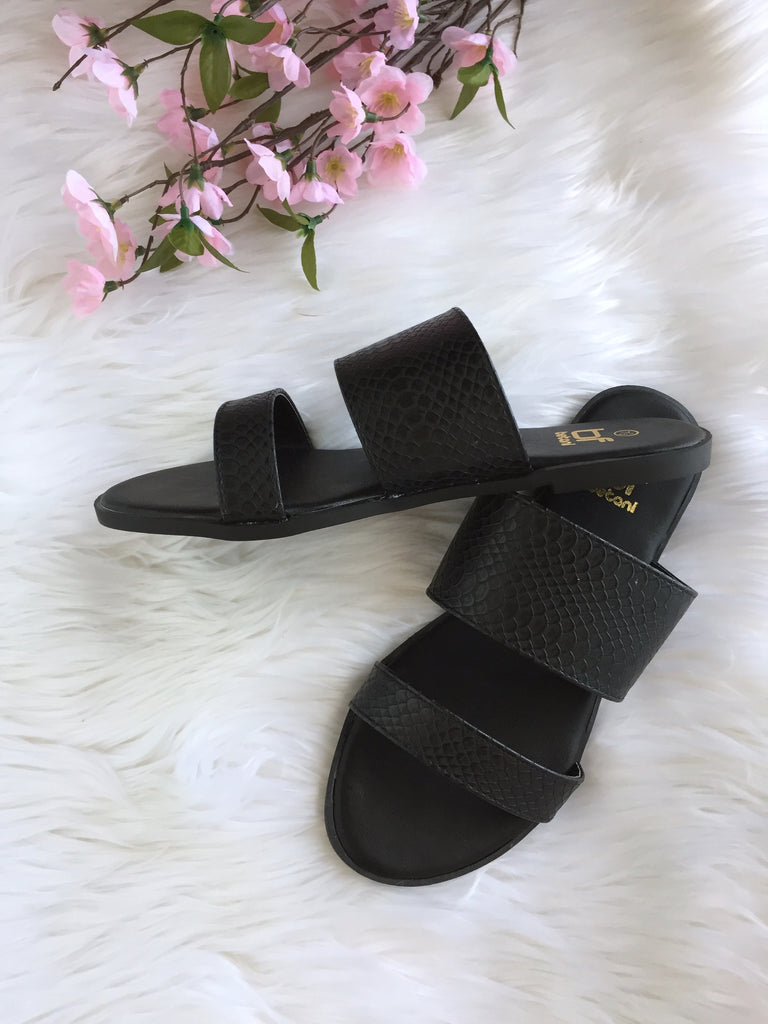 Alma Slider Sandal - Black