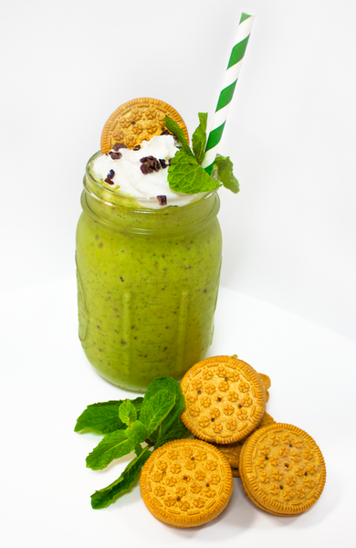Healthy Mint Chocolate Chip Smoothie & Golden Cookies