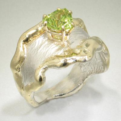 14K Gold & Crystalline Silver Peridot Ring - 13727-Fusion Designs-Renee Taylor Gallery
