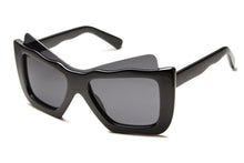 Howi Plastic Winged Eyed Wayfarer Sunglasses