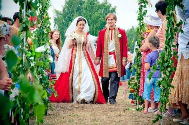 Russian Traditional Wedding Dress-3