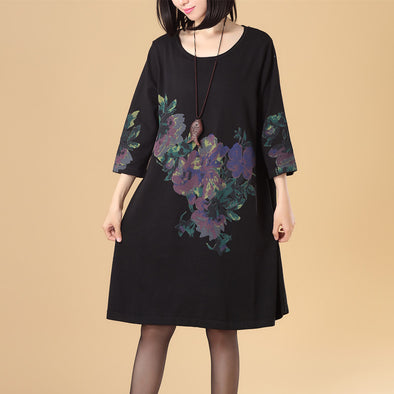 Women Round Neck Three Quarter Sleeve Printing Black Sweater Dress - Buykud