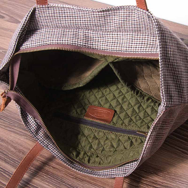 Women Splicing Lattice Message Bag