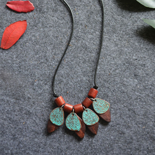 Vintage Ethnic Accessories Wood Chips Pendant Necklaces
