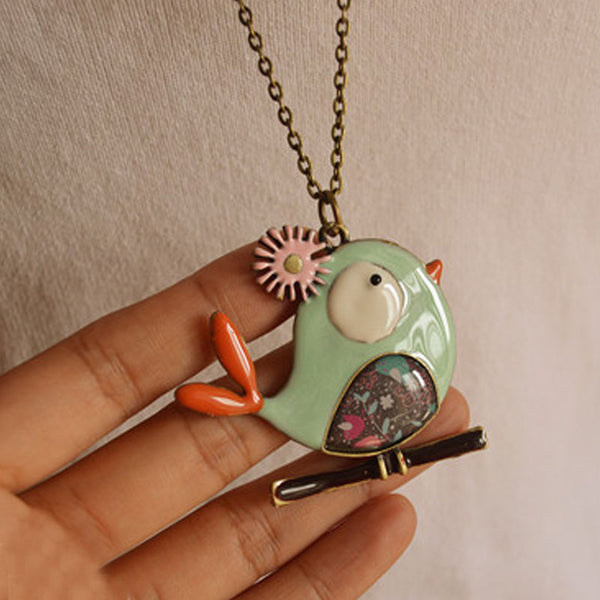 Women Metal Bird Retro Pendant Necklaces