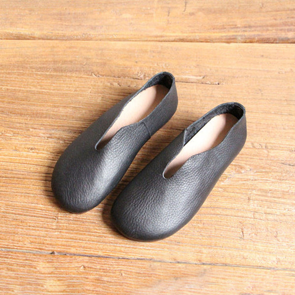 Retro Soft Leather Round Head Women Black Slip-on Shoes - Buykud