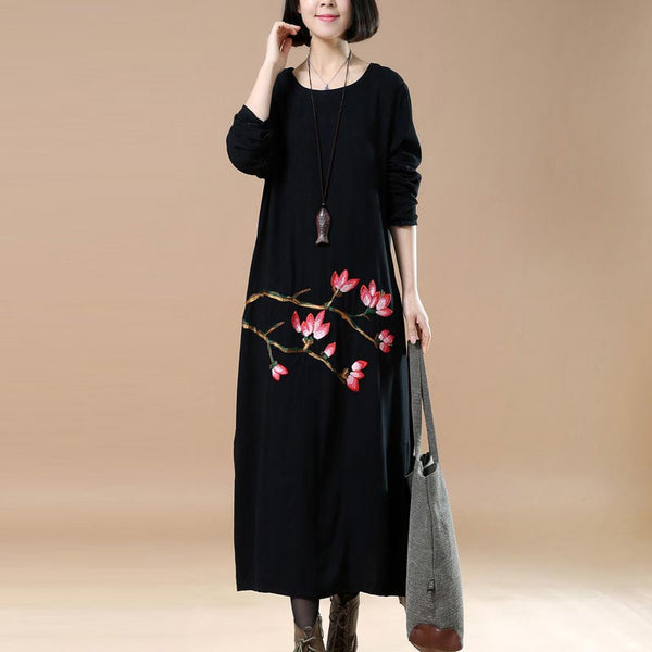 Retro Plus Size Embroidered Round Neck Black Dress