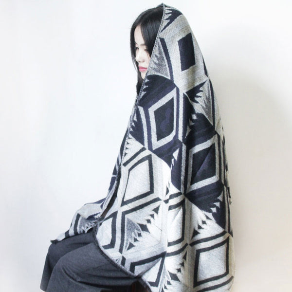 Winter Ethnic Style Gray And White Knitting Scarf