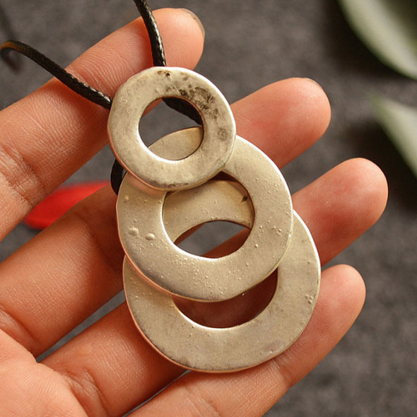 Accessories Unisex Round Pendant Necklace - Buykud