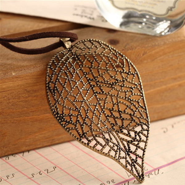 Retro Accessory Leather Chain Metal Leaf Pendant Necklace - Buykud