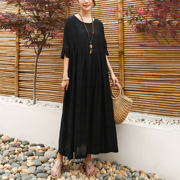 Loose Half Sleeve Round Neck Black Pleated Dress