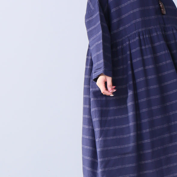 Loose Casual Round Neck Short Sleeve Pleated Buttons Women Blue Stripe Dress - Buykud
