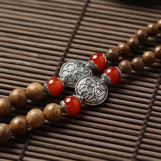 China Legend Animal Wood Beads Necklace with Silver Gourd