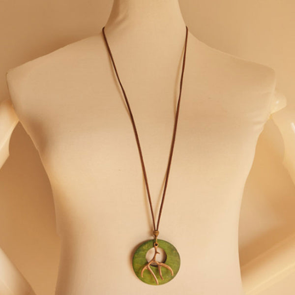 Pendant Retro Round Shape Metal Wood Necklace - Buykud