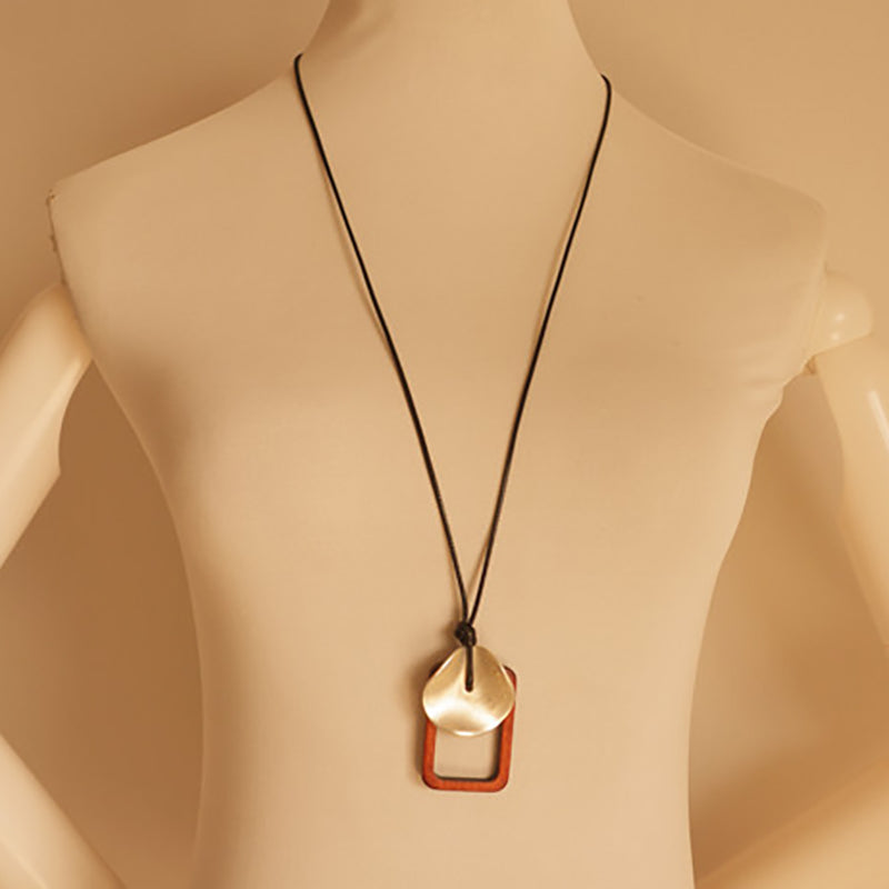 Alloy Piece Wooden Frame Long Necklace