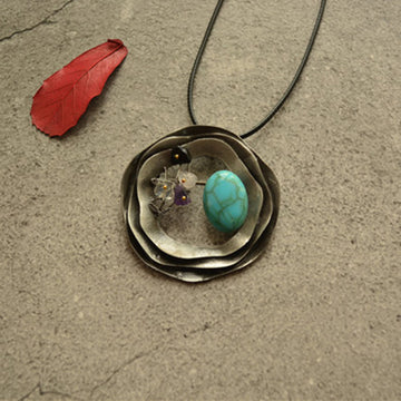 Alloy Round Piece Colored Stone Necklace