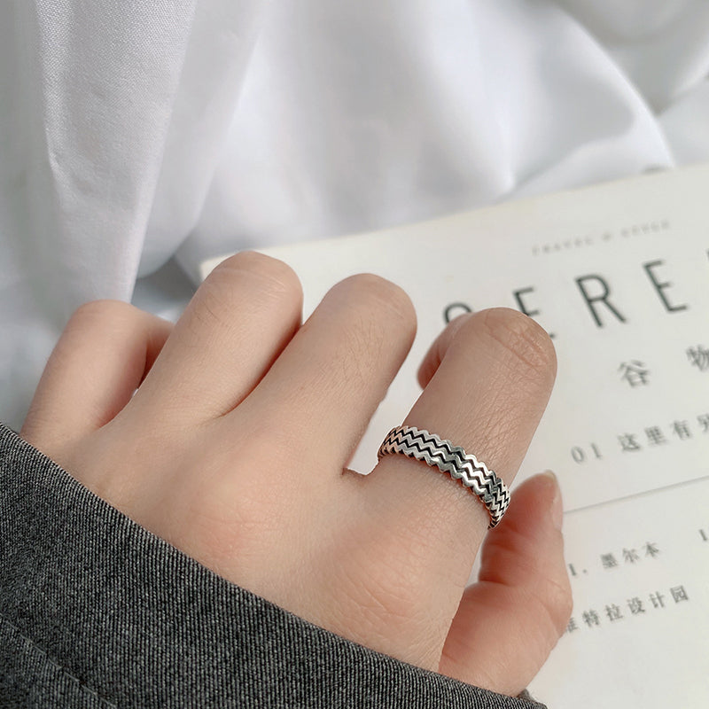 Buykud - Retro Wave Pattern Silver Ring