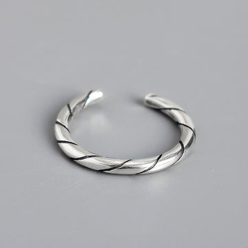 Buykud - Simple Twill Silver Ring