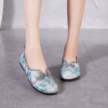 Chinese Knot Embossing Leather Flat Shoes