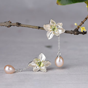Elegant Flower Dangle Pearl Silver Earrings