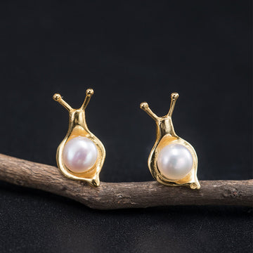 Female Retro Snail Silver Pearl Earrings