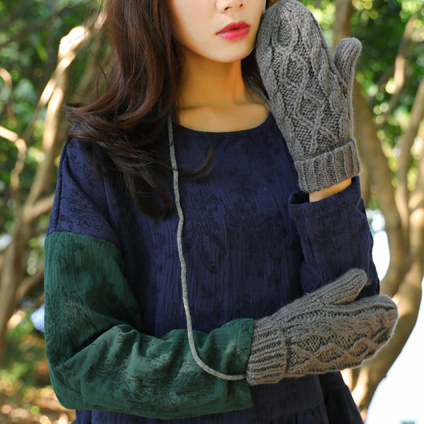 Fashion Women Keep Hand Warm Strap Gray Knitted Gloves - Buykud
