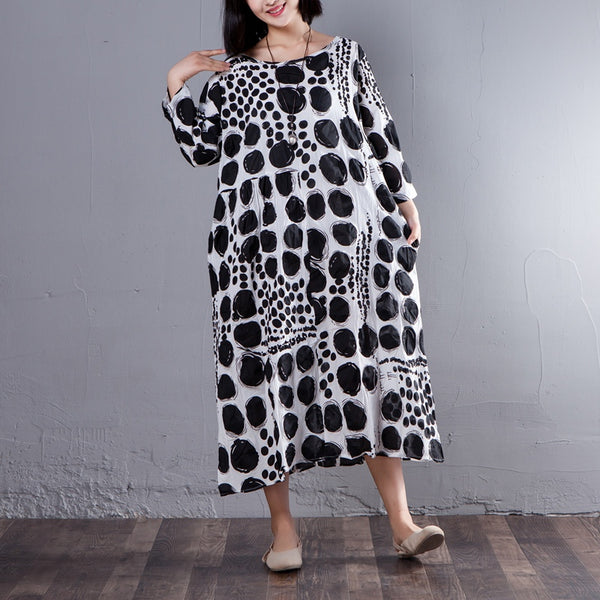 Three Quarter Sleeve Round Neck Loose Black Dots Dress - Buykud