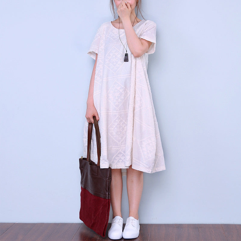 Applique Short Sleeves Women Round Neck Beige Dress - Buykud