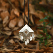 Rope Chain Square Metal Seven Leaves Pendant Necklace - Buykud