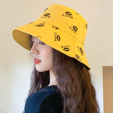 Letter And Lip Print Reversible Bucket Hat