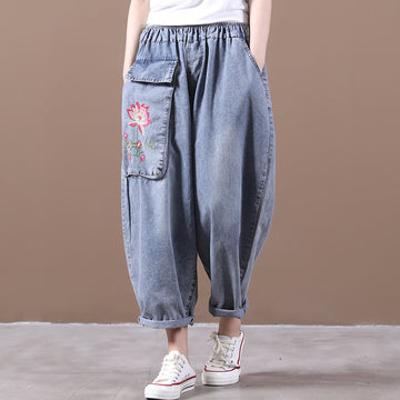 Loose Large Pocket Flower Embroidery Pants