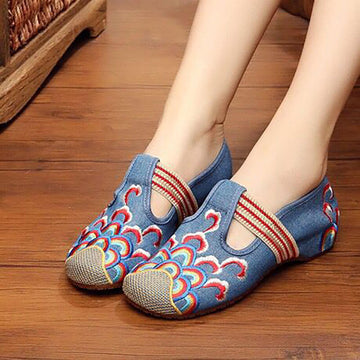 Women Canvas Embroidered Inner Heightening Shoes