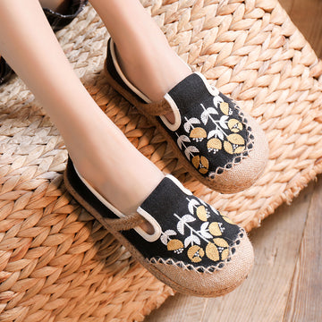 Women Flower Embroidery Canvas Plain Shoes