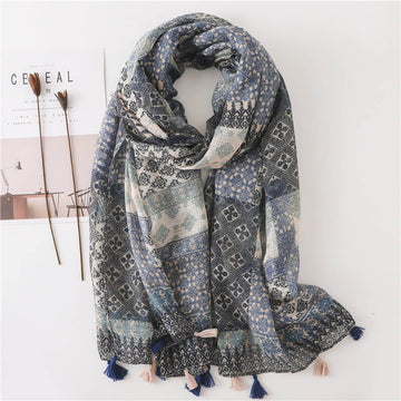 Women Retro Plaid Tasseled Warm Scarf