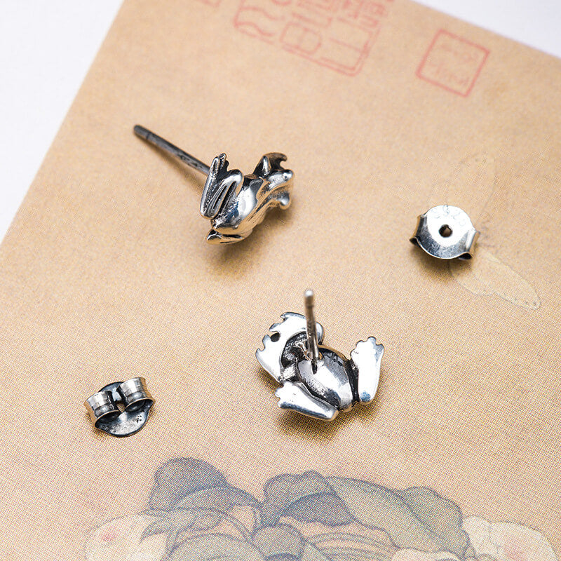 Women Silver Retro Frog Simple Ear Studs(2 Pieces)