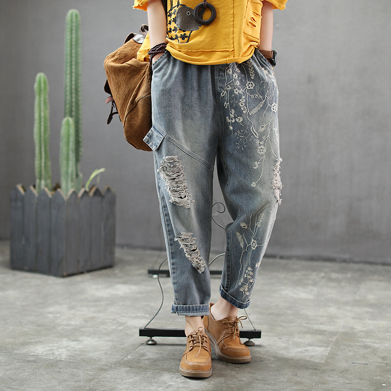 f004fe6c042fc Women Vintage Hole Embroidery Spliced Jeans