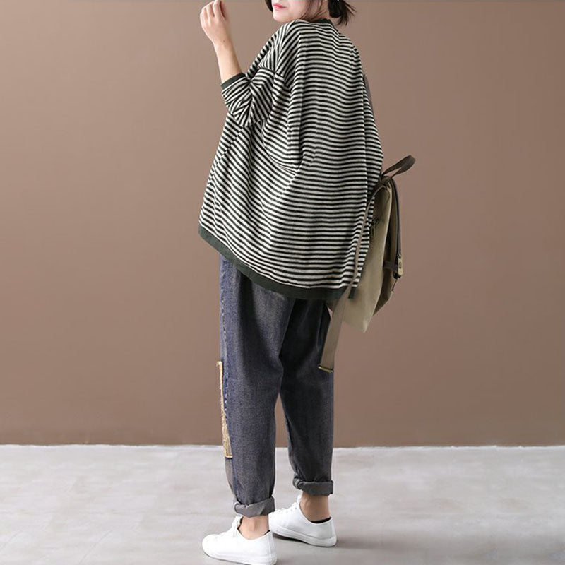Buykud Ultra-loose Classic Striped Round Neck Sweater