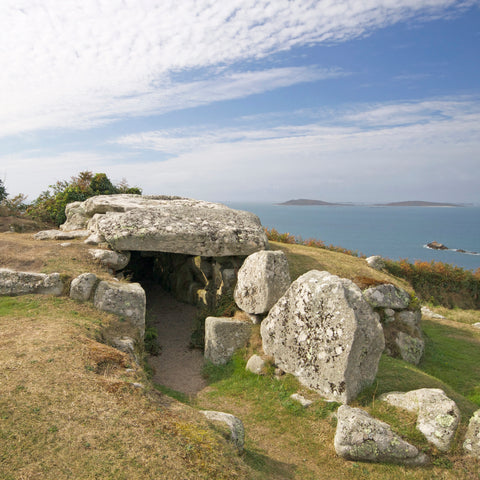 Bant's Carn tomb, St Mary's, Isles of Scilly
