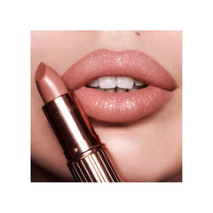 Charlotte Tilbury KISSING